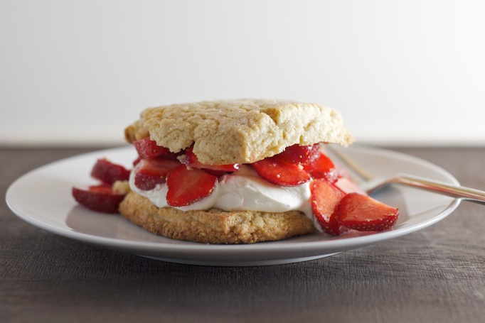 Almond-Oat Strawberry Shortcakes