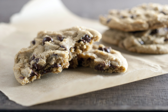 Thick and Chewy Chocolate Chip Cookies | Heather homemade